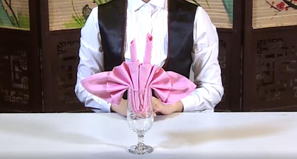 杯花-餐巾折花